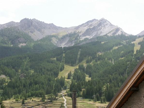 vue sur les montagnes location appartement serre-chevalier 1500 le monetier les bains meublé vacances ski pas cher
